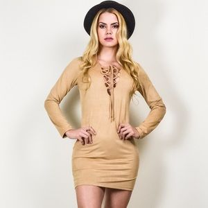 Lace up dress. Suede.