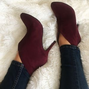 SALENEW ❤ VINCE CAMUTO SUEDE BOOTIES SIZE 8.5