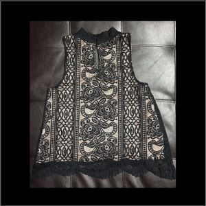 Black sleeveless lace eyelet blouse SZ M