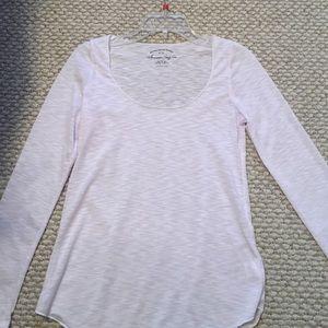 Tops - Simple white scoop neck long sleeved tee