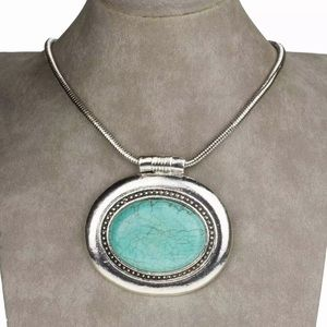 Jewelry - large oval pendant necklace