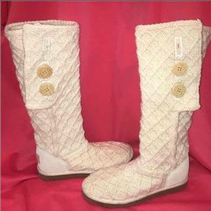 Women's new cable knit Ugg boots size 7