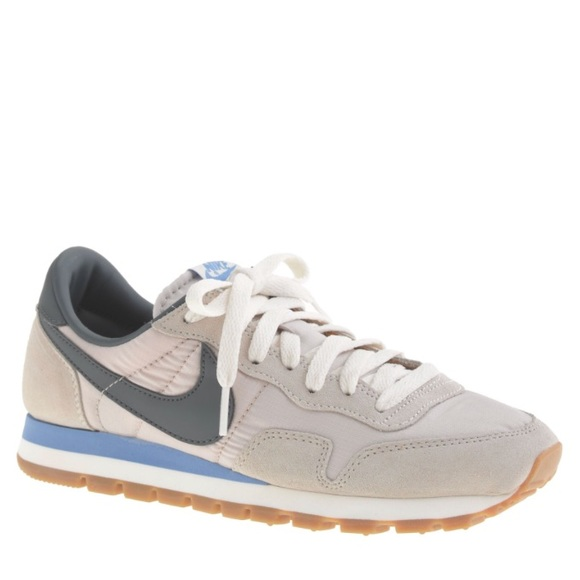 detailed look aaf5b a4e76 ... Vintage Air Pegasus 83 gray size 9.5. M 588774f37fab3ae0290067cf. Other  Shoes you may like. Black Nike Cleats