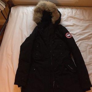Canada Goose Jackets & Blazers - Barely worn Canada Goose Kensington Parka