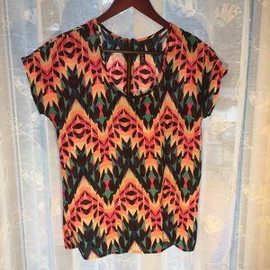 Geometric design blouse size small