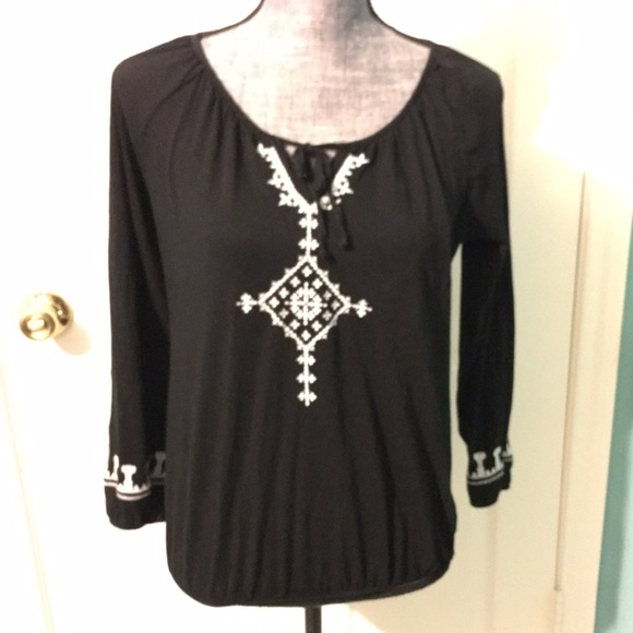Old Navy Tops - Black & White Top Tribal Embroidered Southwest
