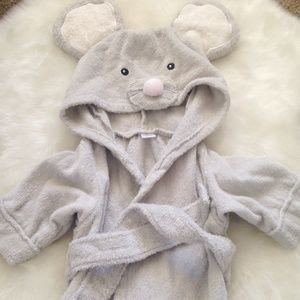 Baby Aspen Other - Baby Aspen 0-9 months unisex mouse hooded robe