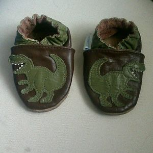 Robeez Other - Robeez leather slipper shoes 0-6 months