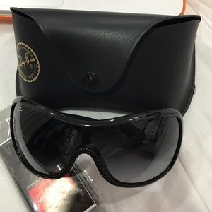 Brand new-never worn authentic Ray Bans