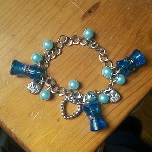 Jewelry - Silver link charm bracelet
