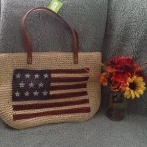 Kelly & Katie Handbags - 🌾🌾MAKE ME AN OFFER 🌾🌾TOTE FLAG💐💐