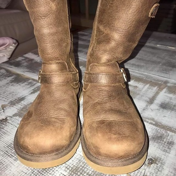 a00e76c7098 Ugg Sutton Size 2 Youth Size 5/5.5 Women's.