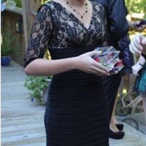Adrianna Papell Dresses & Skirts - Black lace sleeve dress