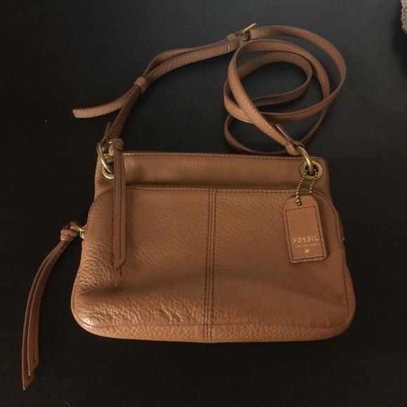 c8cf728ae Fossil Handbags - 2 hr Sale! Fossil Karli Crossbody Bag