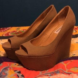 Steve Madden Shoes - Tan Canvas Open Toe Platform Wedges