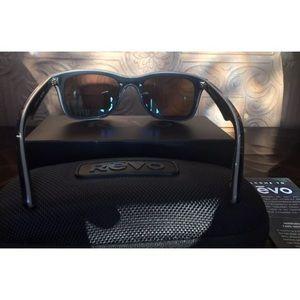 ae12e6ca6c Revo Accessories - NEW REVO Huddie Polarized Sunglasses W  Case