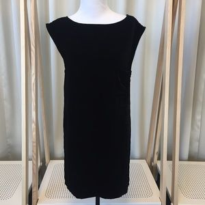BB Dakota Dresses & Skirts - Black velvet shift dress