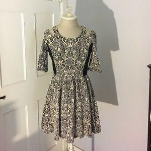 do & be Dresses & Skirts - Patterned dress
