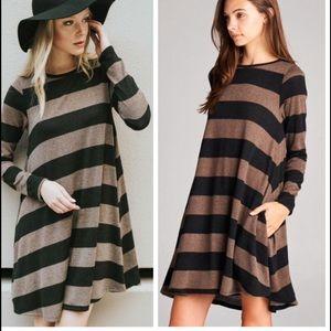 •striped pocket dress•