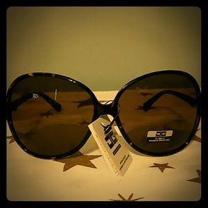 Neoclassics Accessories - Sunglasses