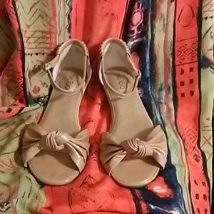 Me Too Shoes - PRICE DROP! Me Too Sadie Short  Wedge Tan Sandals