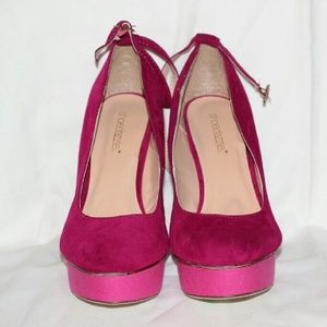 Shoedazzle Raspberry Platform Pumps Never Worn!