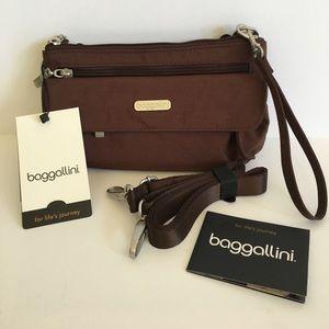 Baggallini Handbags - 🎉SALE‼️NWT Baggalini Plaza mini