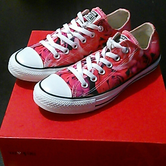 492b9dabed89 Converse Shoes - Rose Patterned Converse