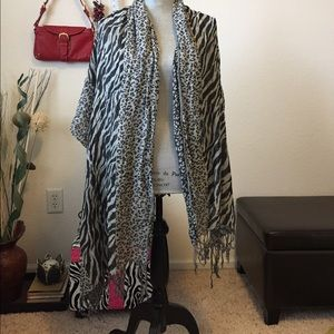 Accessories - Beautiful Scarf , black and gray color