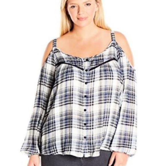 Jessica Simpson Tops - Jessica Simpson woven peasant cold shoulder top