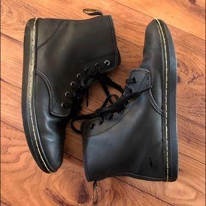 Dr. Martens Shoreditch Boots