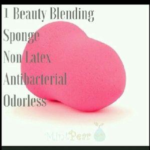 Mint Pear Beauty Other - Sale one😙One Mint Pear Beauty blender sponge new