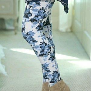 Blue Floral Print Leggings