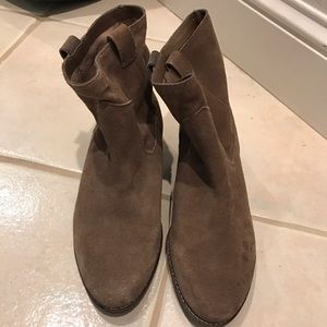 Dolce Vita Booties size 9.5