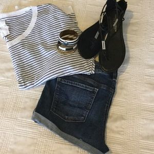 Scoop neck thin striped sweater