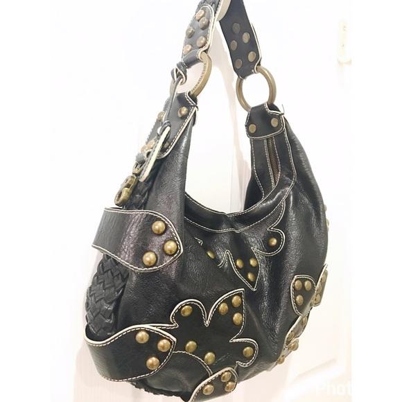 c64347061b Isabella Fiore Handbags - Isabella Fiore Oasis Leather Hobo Shoulder Bag