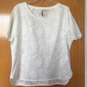 Calvin Klein Jeans Tops - EUC Calvin Klein Jeans white floral shirt