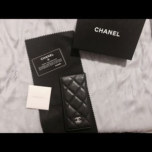 buy online eb256 b8c2b Chanel iPhone 5/SE Phone Case NWT