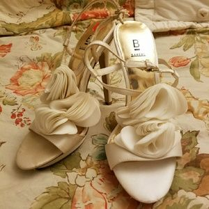 Bakers Shoes - Ivory stiletto size 5.5