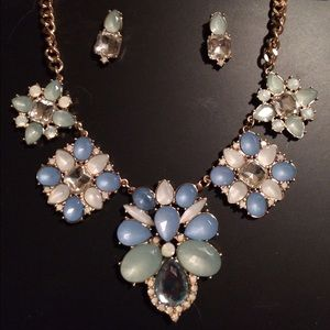 Pretty blue, gold, white, necklace & earrings set