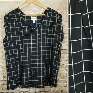 Pure Energy Sleeveless Blouse Black & White Print