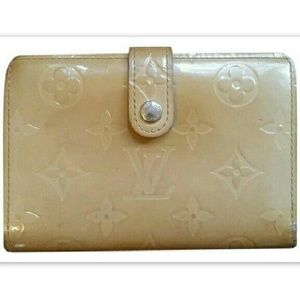 LOUIS VUITTON Wallet Auth Vernis Beige Kiss Lock