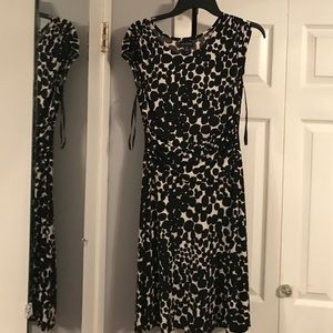 Dresses & Skirts - Black and Cream dress