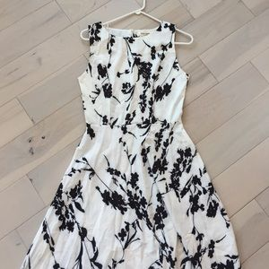 Dresses & Skirts - B&W Floral Print Dress