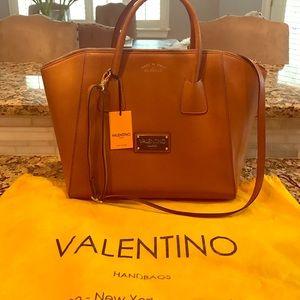 Mario Valentino Handbags - 👜 NWT beautiful Mario Valentino Gigi handbag 👜