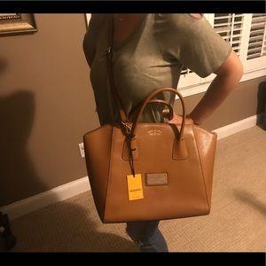 6d4407d343 Mario Valentino Bags - 👜 NWT beautiful Mario Valentino Gigi handbag 👜
