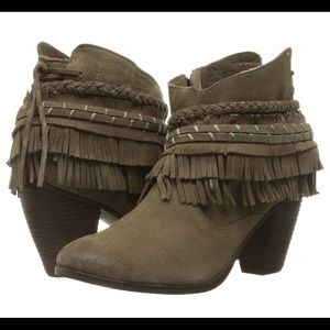 naughty monkey Shoes - Women's Naughty Monkey Lyne Ankle Bootie SZ 6.5