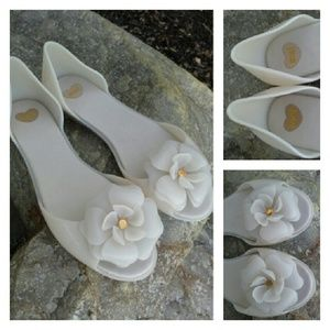 Melissa Shoes - MELISSA Flower Power Nude Jelly Flats