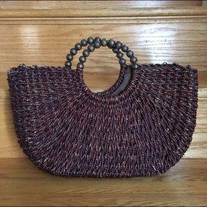 Straw bag w beaded handle