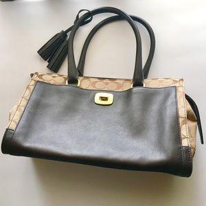 Classic Coach satchel purse